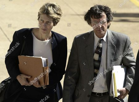 Defense Team Members Barbara Bergman (l) and W Creekmore Wallace (r) Enter the Pittsburg County Courthouse in Mcalester Oklahoma Usa On Monday 01 March 2004 the First Day of Jury Selection in the State Murder Trial of Convicted Oklahoma City Terror Bomber Terry Nichols Nichols Already Serving a Life Without Parole Sentence On Federal Charges of Conspiracy and Manslaughter in the 1995 Bombing of the Federal Building in Oklahoma City is Accused in State Court in the Deaths of 160 Civilians and One Unborn Baby in the April 19 1995 Bombing of the Alfred P Murrah Federal Building