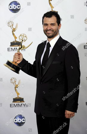 Us Director Greg Yaitanes with His Emmy For Outstanding Direction For a Drama Series at the 60th Primetime Emmy Awards in Los Angeles California Usa 21 September 2008 the Primetime Emmy Awards Honours Excellence in Primetime Television Programming
