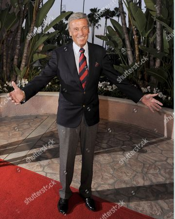 Stock Picture of Us Actor Richard Anderson Arrives For the 'Smiles From the Stars: a Tribute to the Life and Work of Roy Scheider' in Los Angeles California Usa 04 April 2009 the Event Honored the Late Actor and Two-time Academy Award Nominated Scheider As Well As Raised Funds For the Myeloma Institute University of Arkansas For Medical Sciences Myeloma Claimed the Life of Scheider