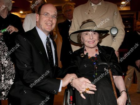 Prince Albert Ii of Monaco (l) Welcomes Participants of the 33rd Theater Sea Cruise at the Princess Grace Theater in Monaco On Saturday 06 May 2006 the Theater Sea Cruise is a Cruise Which Brings Together Senior Celebrities From Broadway and Hollywood Among the 140 Participants Was Legendary Actress Patricia Neal (r) May 6 2006 Epa/str/asm