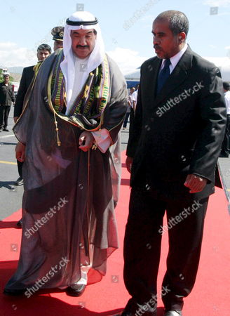 Kuwait's Prime Minister Sheikh Nasser Al-mohammed Al-ahmed Al-sabah (l) Walks with East Timor's Prime Minister Estanislau Da Silva As He Arrives at Komoro Airport in Dili East Timor 01 June 2007 Sheikh Nasser Mohammad Al-sabah is in an Official Visit to Tighten Bilateral Relationship Between Two Countries