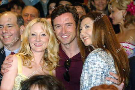 2004 Tony Nominee For Best Performance by a Leading Actress in the Play 'Twentieth Century' Anne Heche (l) Best Performance by a Leading Actor in the Musical 'The Boy From Oz' Hugh Jackman (c) and Best Performance by a Leading Actress in the Musical 'Wonderful Town' Donna Murphy (r) Pose For Photographers During the the Tony Award Nominee Class Picture at the Minskoff Theatre in New York Wednesday 19 May 2004 Next to Heche is Jed Bernstein President of the League of American Theatres and Producers