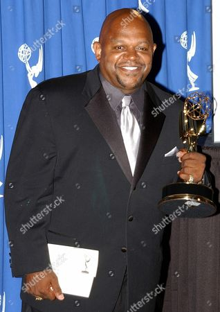 Actor Charles Dutton Poses For Photographers After Receiving an Emmy For Outstanding Guest Actor in a Drama Series at the Academy of Television Arts and Sciences Creative Arts Awards at the Shrine Auditorium in Los Angeles California 13 September 2003 Dutton Recieved His Emmy For Guest Starring in the Cbs Series 'Without a Trace' Epa Photo/epa/armando Arorizo// United States Los Angeles