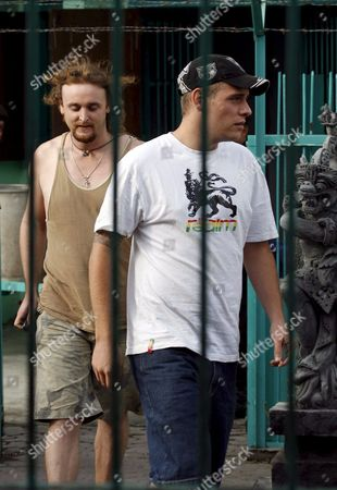 Australian Matthew Norman (r) and Martin Stephens (l) Two Australian Members of the Bali Nine Walk to Their Cell During Indonesian Independence Day Celebration Inside the Kerobokan Prison in Denpasar Bali Indonesia On 17 August 2007 Three Denpasar District Court Judges Which Heard the Last Ditch Appeal of Bali Nine Heroin Couriers Matthew Norman Si Yi Chen and Tan Duc Thanh Nguyen Rejected All Legal Arguments to Downgrade Their Death Sentences