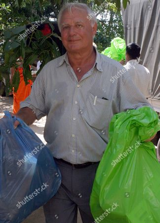 Metall Official Wolfgang Becker Delivers Goods to People in Ahungalle Sri Lanka Friday 28 January 2005