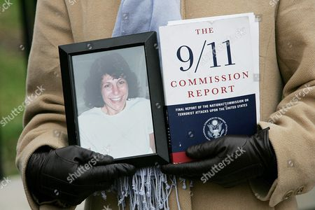 9/11 Victim Family Member Carie Lemack Protests the Slow Pace Congress Has Taken On the Intelligence Reform Bill Holds a Picture of Her Mother Judy Who Was Killed On American Airlines Flight 11 While Joining Other 9/11 Family Members in Front of the White House in Washington Dc Monday 06 December 2004