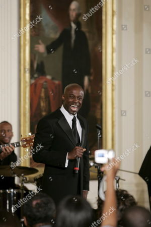 Kem Performs During the Black History Month Celebration Held in the East Room of the White House in Washington D C Usa 22 June 2007 the Celebration Featured Live Performances From Karina Pasian and Nuttin' But Strings