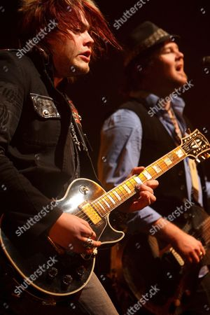 Joe Garvey (l) Andmark King (r) of the Us Band Hinder Perform During the Jagermeister Music Tour in Indianapolis Indiana Usa 22 December 2008