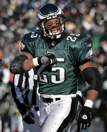 Philadelphia Eagles Running Back Dorsey Levens Celebrates in the End Zone After Scoring a Touchdown Against the Atlanta Flacons in the First Quarter of the Nfc Championship Game at Lincoln Financial Field in Philadelphia Pennsylvania Sunday 23 January 2005 the Winner Will Face Either the New England Patriots of the Pittsburgh Steelers in the Super Bowl