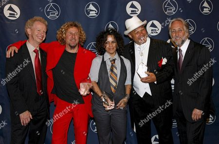 Us Musicians Sammy Hagar (2-l) and Linda Perry (c) and Us Musician and Producer 'Narada' Michael Walden (2-r) Hold Their Awards Along Side Chairman of the Us Board of Trustees of the Recording Academy Terry Lickona (l) and Us Recording Academy President Neil Portnow (r) During the San Francisco Chapter of the Recording Academy Honors in San Francisco Sunday 29 April 2007