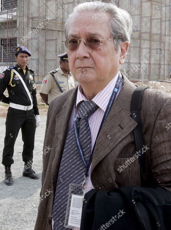 French Lawyer Jacques Verges Representing of the Khmer Rouge's Former Head of State Khieu Samphan Walks Past Cambodian Police Officers (l) While His Arrival at the Extraordinary Chambers in the Courts of Cambodia (eccc) in Phnom Penh Cambodia 23 April 2008 the Pre-trial Chamber of the (eccc) Has Scheduled the Hearing On the Appeal Against the Provisional Detention Order by Khieu Samphan For 23 April Khieu Samphan Was Arrested in November 2007 and Charged with War Crimes and Crimes Against Humanity For His Alleged Role in the 1975-79 Regime