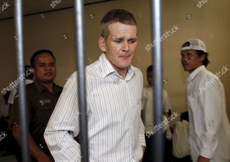 British Ronnie Ramsay (c) Inside a Holding Cell As He Waits For His Verdict During a Trial at a Denpasar District Court in Bali Indonesia On 13 September 2007 Indonesian Judges Sentenced Ronnie Ramsay to Ten Month in Prison Ramsay Was Arrested in Bali After Being Caught with Small Amount of Heroin On February 2007