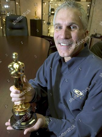R S Owens President Scott Siegel Holds an Oscar Statue Made by His Company in His Company's Showroom in Chicago Illinois Wednesday 26 January 2005 the Academy Awards Will Present the Oscars On 27 February 2005 in Hollywood California