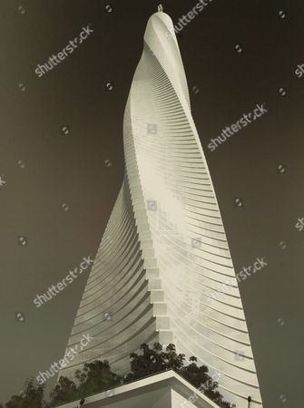 An Artists Rendering of Spanish-born Architect and Engineer Santiago Calatrava's 'Fordham Spire' That Developer Christopher Carley Plans to Build Overlooking Lake Michigan is Unveiled in Chicago Illinois On Wednesday 27 July 2005 the Building Will Rise 115 Stories and Be Topped with a Steel Spire That Could Soar More Than 2 000 Feet Over the City Skyline When Completed in Three Years It Will Be the Tallest Building in the United States