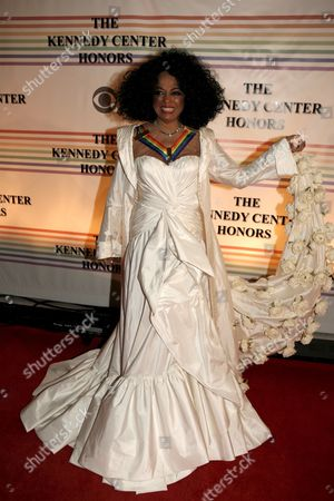 Us Singer Diana Ross Arrives For the Kennedy Center Honors Gala and Performance at the Kennedy Center in Washington Dc Usa On 02 December 2007 Leon Fleisher (music) Steve Martin (comedy) Diana Ross (music) Martin Scorsese (film) and Brian Wilson (music) Are Being Honoured For Their Lifetime Contributions to American Culture the Gala Performance is to Be Attended by Political Dignitaries and Artists From Around the World