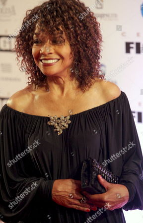 Us Actress Beverly Todd Poses For Photographers As She Arrives For Muhammad Ali's Celebrity Fight Night Xiv in Phoenix Arizona Usa 05 April 2008 the Event Raises Money For the Muhammad Ali Parkinson Center and Other Charities