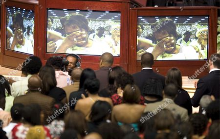 Rhonda Mccullough the Widow of Us Actor and Comedian Bernie Mac is Shown Weeping On Tv Screens As She is Introduced at the the Start of Mac's Memorial Service at the House of Hope Church in Chicago Illinois Usa 16 August 2008 Mac 50 Died in a Chicago Hospital On 09 August From Complications Due to Pneumonia