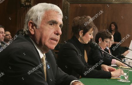 Chief Executive Officer (ceo) of Sirius Satellite Radio Mel Karmazin Testifies Before the Senate Judiciary Committee Subcommittee Hearing On the Xm-sirius Satellite Radio Merger On Capitol Hill in Washington Dc Tuesday 20 March 2007