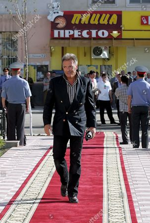 Hollywood Actor Armand Assante Walks On a Red Carpet During the Opening Ceremony of the 'Noahs Ark' International Film Festival in Grozny Chechnya Russia 13 June 2008 the First 'Noah's Ark' International Film Festival Will Take Place in Grozny the Capital of Chechnya From 13 to 19 June Among the Submissions Will Be Films About the Life of People Belonging to Different Confessions Created by Film Directors From Many Countries
