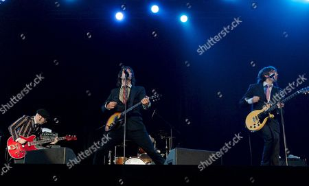 Us Rock Group 'Ok Go' Singer and Guitarist Damian Kulash (c) Bass Guitarist Tim Nordwind (l) and Guitarist Andy Ross(r) Perform On Stage During the 2007 Incheon Pentaport Rock Festival in Incheon South Korea On 27 July 2007