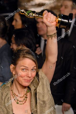 Norwegian Director Torill Kove Holds Up the Oscar She Won For Best Short Film Animated the Danish Poet As She Arrives at the Vanity Fair Party Following the Academy Award Presentations in Hollywood Late Sunday 25th 2007