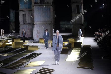 Models present creations from the Fall/Winter 2017-2018 menswear collection of Italian designer Alessandro Sartori for Italian fashion house Ermenegildo Zegna during the Milan Men's Fashion Week, in Milan, Italy, 13 January  2017. The Milano Moda Uomo runs from 13 to 17 January.