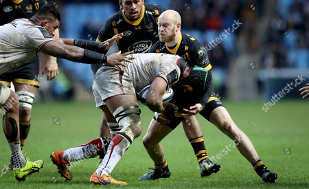 Wasps vs Toulouse. Wasps' Joe Simpson and Thierry Dusautoir of Toulouse