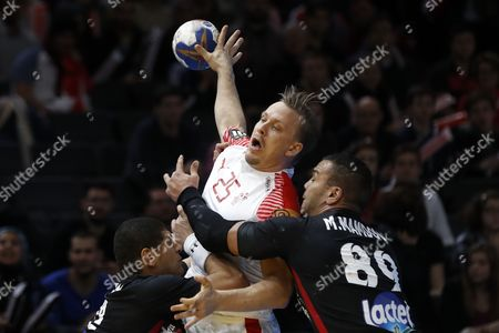 Denmark's Morten Olsen in action during the group D match between Denmark and Egypt at the IHF Men's Handball World Championship, Paris, France, 14 January 2017.