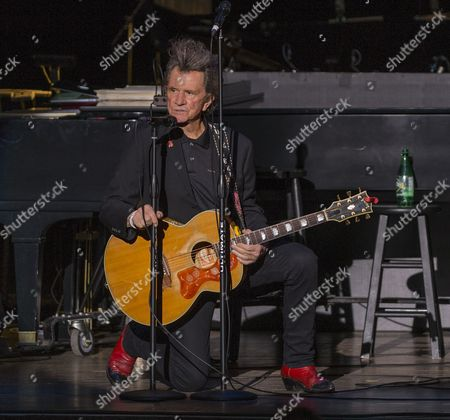 Gary Mule Deer performs during the Voices of Romance Tour at the Lakeland Center in Lakeland, Florida