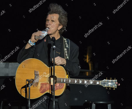 Gary Mule Deer performs during his Voices of Romance Tour at the Lakeland Center in Lakeland, Florida