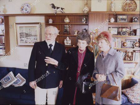 David Scase (as Dr Robert Lowther) June Broughton (as Joan Lowther) and Jean Alexander (as Hilda Ogden)