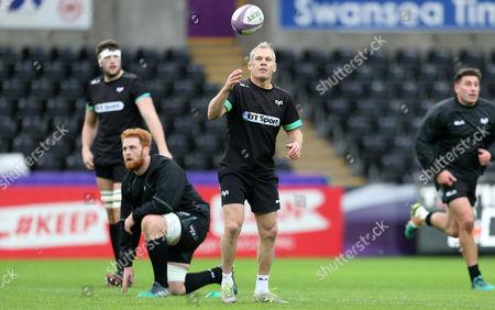 Defence Coach Brad Davis.