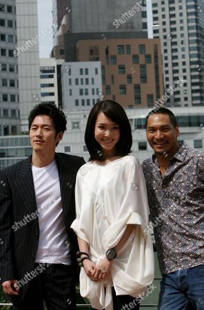 (l-r) Korean Actor Jang Hyuk Singaporean Actress Fann Wong and Hollywood Actor Jason Scott Lee Pose For Photos During a Press Conference For a New Movie 'Dance of the Dragon' where They Have Starring Roles in Singapore 30 July 2007