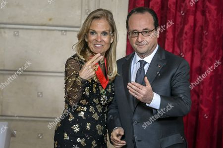 French President Francois Hollande (R) and the US ambassador to France Jane Hartley (L) gestures after she was awarded of the Legion of Honour (Legion d'Honneur) by french president at the Elysee Presidential Palace in Paris, France, 16 January 2017.