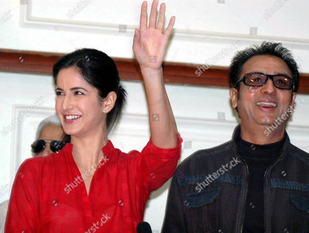 Bollywood Actress Katrina Kaif (l) and Actor Gulshan Grover Attend a Press Conference On Their Visit to Bhopal For the Shooting of the Upcoming Film 'Rajneeti' in Bhopal India 10 February 2009 the Film Has Been Directed by Bollywood Director Prakash Jha