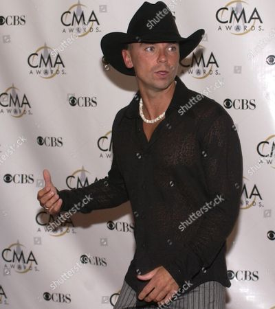Entertainer of the Year Nominee Kenny Chesney Arrives at the Grand Ole Oprey House For the Country Music Awards Wednesday 05 November 2003 in Nashville Tennessee