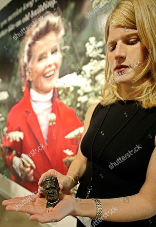 Vanessa Peters of Sotherby's Auction House Holds a Bust of Actor Spencer Tracy Which Was Made by the Late Actress Katharine Hepburn On Thursday 03 June 2004 It's Estimated Value is Five Thousand Dollars and is Scheduled to Be Auctioned at Sotherby's in New York City Next Week Along with the Entire Contents of Ms Hepburn's Estate