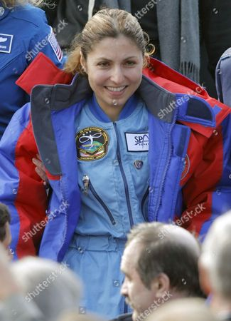 Us Entrepreneur and the World's First Female Space Tourist Anousheh Ansari is All Smiles During Her Arrival in Moscow After the Landing of Russian Souyz Space Capsule not Far From Kazakh Town of Arkalyk in Northern Kazakhstan (some 500 Km From Kazakh Capital of Astana) Early Friday 29 September 2006 with Us Nasa Astronaut Jeffrey Williams and Russian Cosmonaut Pavel Vinogradov