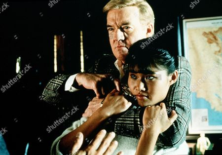 'Gleaming the Cube' - Tina Trac (Min Luong) and  Ed Lawndale (Richard Herd).