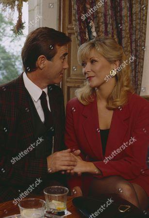 Claire King (as Kim Tate) and Brian Deacon (as Neil Kincaid) as Kim and Neil continue their affair (Ep 1711 - 10th November 1992)