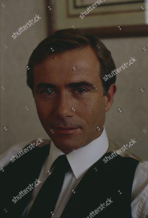 Brian Deacon (as Neil Kincaid) as Kim and Neil continue their affair (Ep 1711 - 10th November 1992)