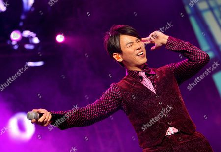 Taiwanese Singer David Tao Performs During His Concert in Singapore As Part of His New World Tour 'David Tao 2008' in Singapore 19 April 2008