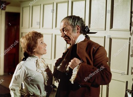 'Carry on Dick'   Film Barbara Windsor and Sid James