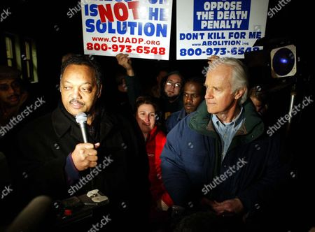 Reverend Jesse Jackson (l) and Actor and Activist Mike Farrell (r) Speak to the Media After a Stay of Execution From the Ninth Circuit Court of Appeals Outside San Quentin State Prison in Larkspur California Monday Evening 09 February 2004 Condemned Inmate Kevin Cooper 45 Was Convicted in 1985 of the Hacking Deaths of Christopher Hughes 11 His Friend Jessica Ryen 10 and Her Parents Douglas and Peggy Ann Ryen in Their Chino Hills California Home Cooper Was Scheduled to Die by Lethal Injection at California's San Quentin State Prison in Larkspur California Tuesday 10 February 2004 Shortly After Midnight Clemency Was Denied by California Governor Arnold Schwarzenegger