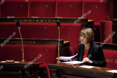 French Minister For Culture Christine Albanel Listens to Deputy Speeches During a Debate at French National Assembly in Paris France 29 April 2009 As French Deputies Debate a New Version of a Bill That Would Ban Illegal Downloaders From Internet in a New Effort to Combat Film and Music Piracy This Bill Backed by the Entertainment Industry and Opposed by Consumer Groups Has Been Earlier Rejected Due to a the Absence of Ump Parliamentarians in a Surprise Setback For President Nicolas Sarkozy's Government