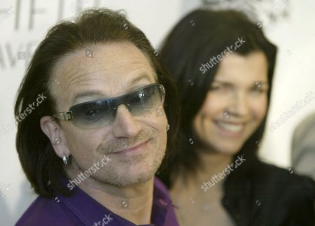 U2 Frontman Bono and Wife Ali Hewson Pose For a Photographers at the Launch of the New Conscious Commerce Clothing Line Friday 25 March 2005 in California United States Ali and Bono Have Collaborated with Fashion Designer Rogan Gregory to Create Edun a Line of Contemporary Fashions For Men and Women