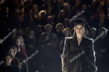 A model presents a creation by German desiger Esther Perbandt during the Mercedes-Benz Fashion Week Berlin, in Berlin, Germany, 17 January 2017. The Mercedes-Benz Fashion Week Berlin runs from 17 to 20 January.