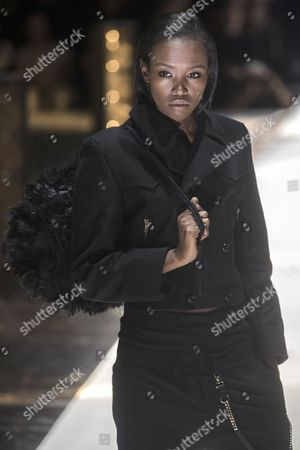 A model presents a creation by German designer Esther Perbandt  during the Mercedes-Benz Fashion Week Berlin in Berlin, Germany, 17 January 2017. The Mercedes-Benz Fashion Week Berlin runs from 17 to 20 January.