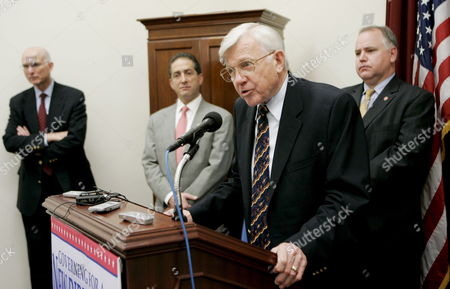 Us Army Lt General Robert G Gard Jr Speaks As (l-r) Retired Us Navy Captain Lawrence Korb Us Congressman Ron Klein (democrat- Florida) and Us Congressman Tim Walz (democrat- Minnesota) Listen During a News Conference On Capitol Hill in Washington Dc On Tuesday 20 March 2007 Americans Against Escalation in Iraq is Sponsoring a Seven State Tour For Retired Us Military Commanders to Speak out Against Escalation in Iraq