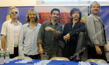 Members of the Rock Band 'Styx' (from Left to Right) Glenn Burtnik Tommy Shaw Todd Suckerman Lawrence Gowan and James 'Jy' Young Pose For Photographers 31 July 2003 As They Promote Their Album 'Cyclorama' at J&r Music World in Downtown New York City Epa Photo/epa/jason Szenes United States New York